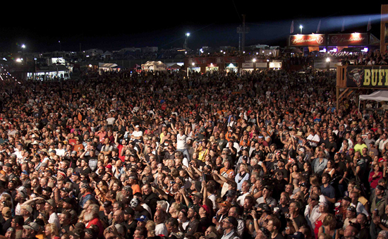 crowd_at_buffao_chip_sturgis_2014